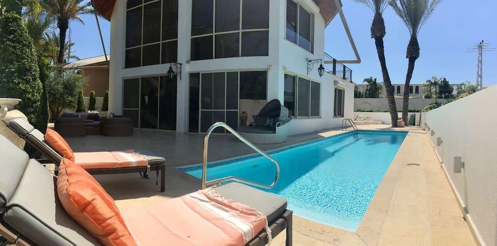 Private villa with pool near the Beach