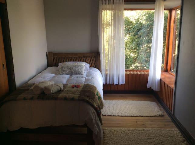 Habitación individual agradable casa de campo