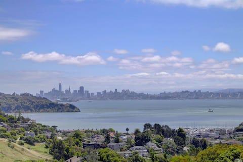 Tiburon apartment with San Francisco Skyline view