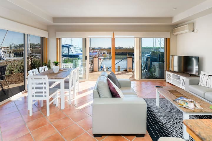 4br Villa Right on The Marina