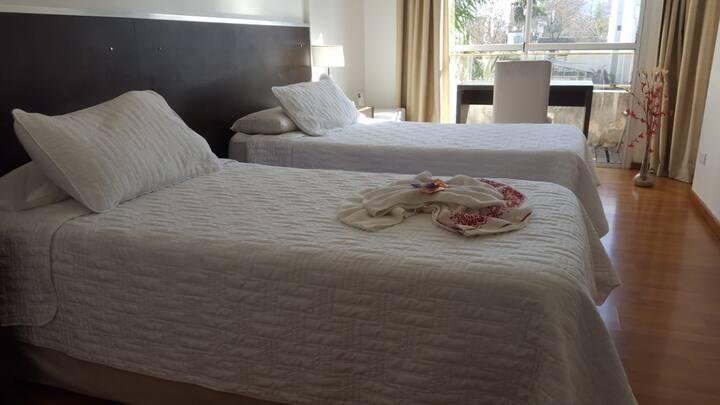 """Hotel """"Multiespacio"""", todo en un sólo lugar p / 2."""