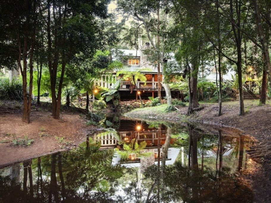 Belle Grove Cottage is right on the creek and has beautiful reflections