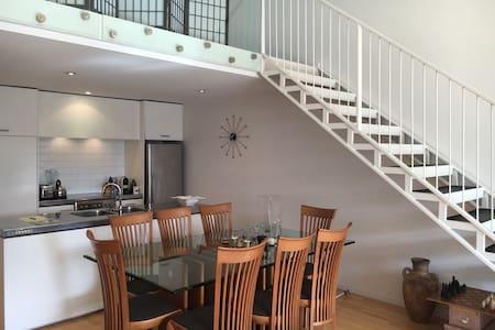 Grey Lynn NYC Style Loft Apartment - Auckland