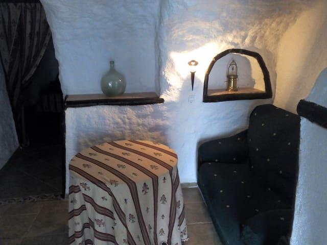 Cuevas Almugara - Alaría - Cortes y Graena - Gruta