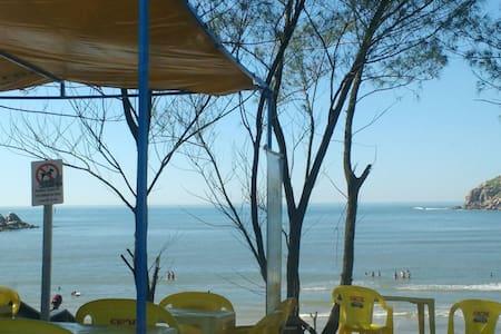 Tranquilidade na frente da praia - Imbituba