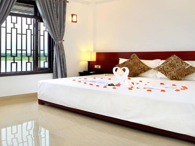 Garden view double room-Riverlife homestay Hoi An