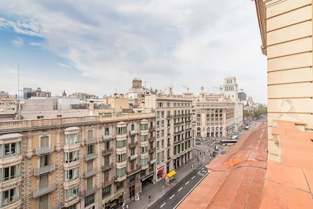 roof top-attic-view private apartment las ramblas