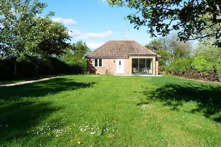 BRAND NEW in Malverns - detached cottage + garden