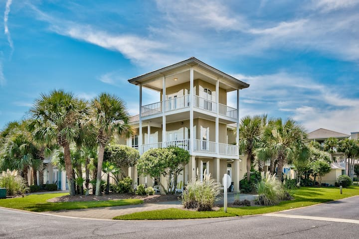 Latitude Adjustment~8 Sapphire Cove~Emerald Shores