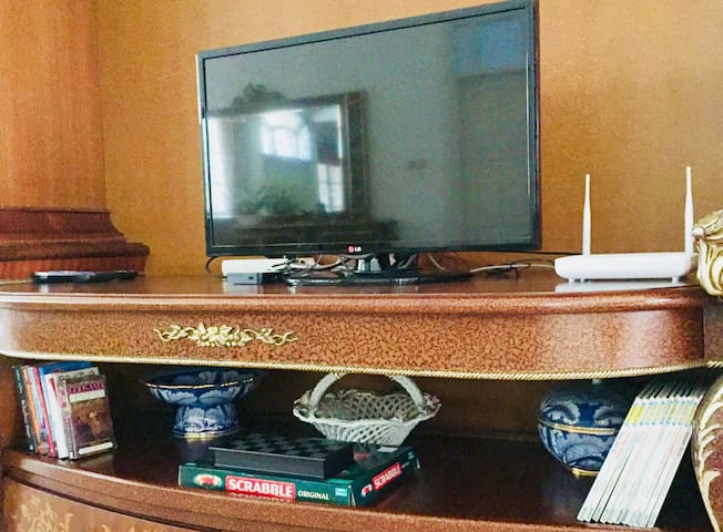 TV Cable, WIFI are available