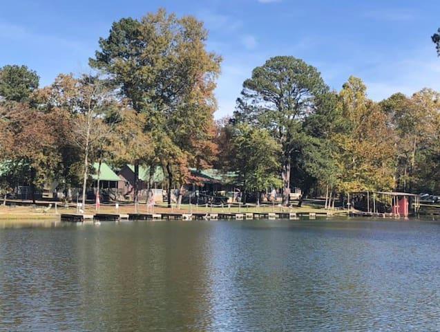 Lake Hamilton Cozy Cabin w/Boat Slip