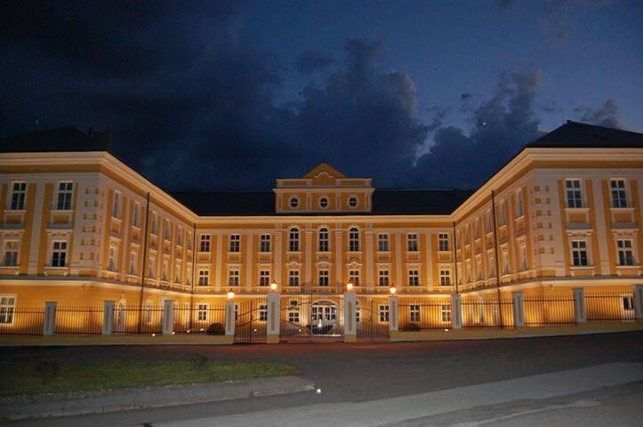 Luxusappartements im Barockschloss