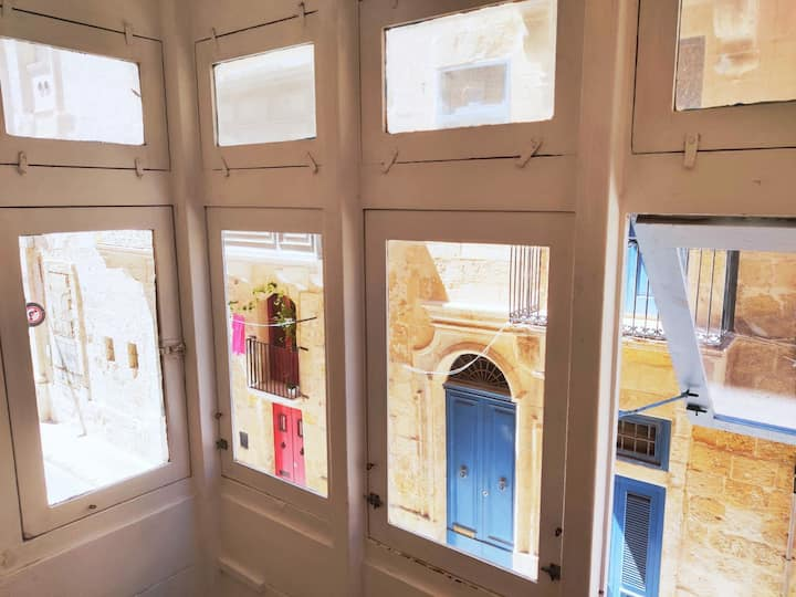 2 Bedroom apartment in Capital City Valletta!