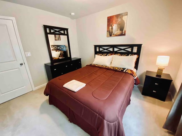 5-STAR LUX ROOM: 36% OFF Monthly; By Airport&Dtwn