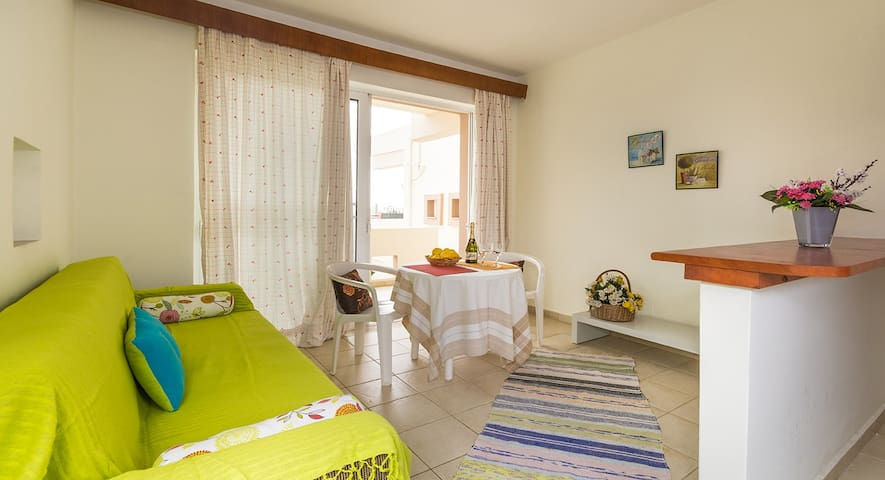 Friendly and quiet apartment - Afantou