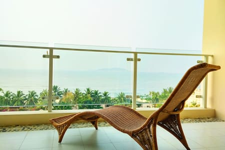 三亚湾梦幻海景两房,99步到海滩 - Sanya