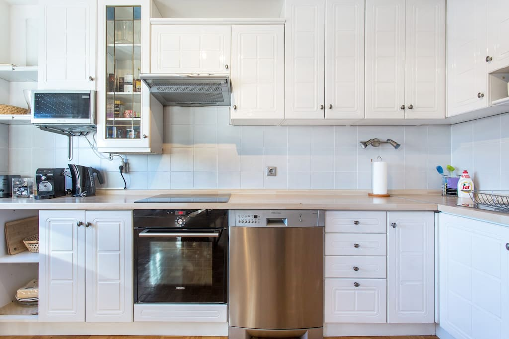 Welcome and prepare a gourmet meal or just a breakfast to go, with our fully equiped kitchen