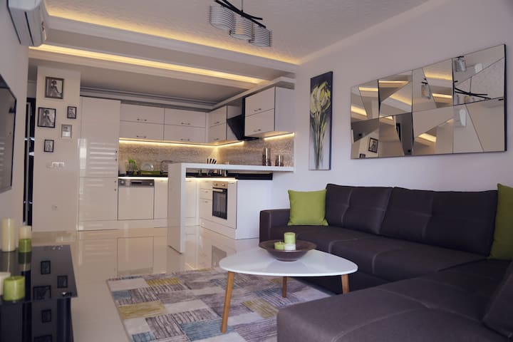 Cozy modern apartment near Cleopatra Beach