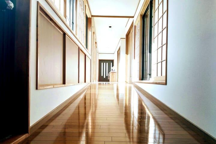 草乃間 [里山×四季×温泉] 長閑な里山に建つトイレ&洗面室付き個室