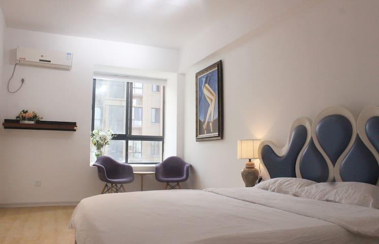茶山大学城B | 欧尚春天广场 | 单身公寓 | 独立卫浴 | 独享南向大阳台 | 共享客厅厨房