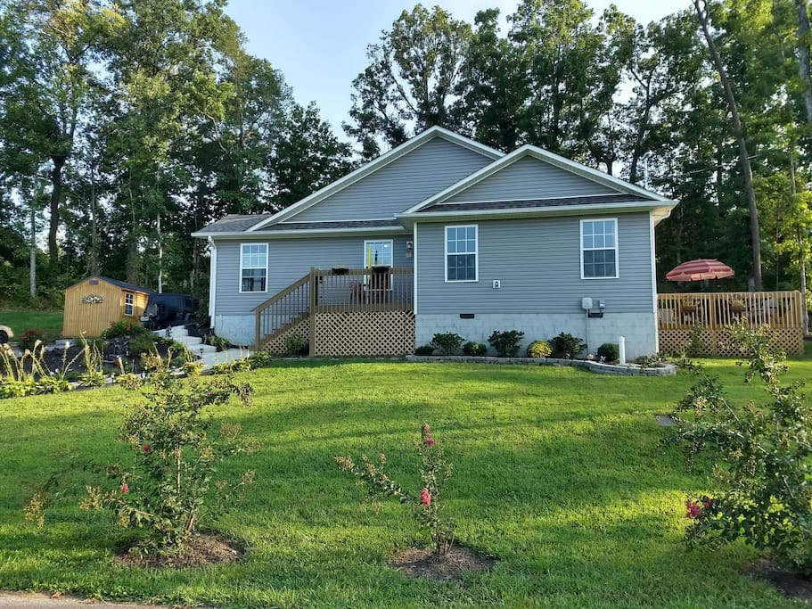 Spacious home with a large yard to enjoy fresh country air, yet close to Pigeon Forge and Gatlinburg.