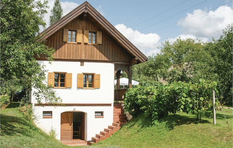 Holiday cottage with 1 bedroom on 120 m²
