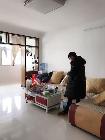 房子全新,位于县城中心,独卫,免费停车,无线网覆盖 - 吉安市