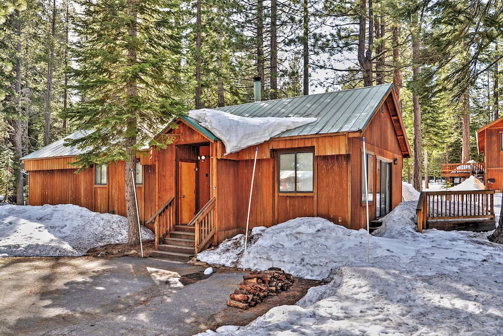 Welcome to your quintessential Truckee vacation rental cabin!