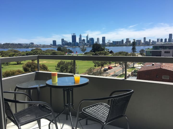 1 bedroom apartment with the best views in Perth
