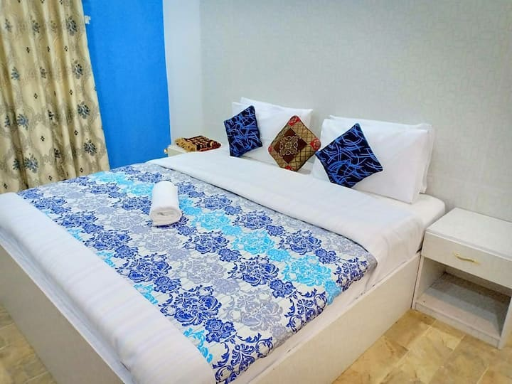 Fully furnished Rooms in defence dha Karachi daily