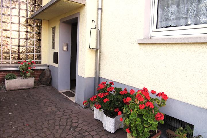 Große moderne Wohnung mit wunderbarer Terrasse.