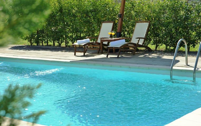 villa Anemone private pool shaded spot