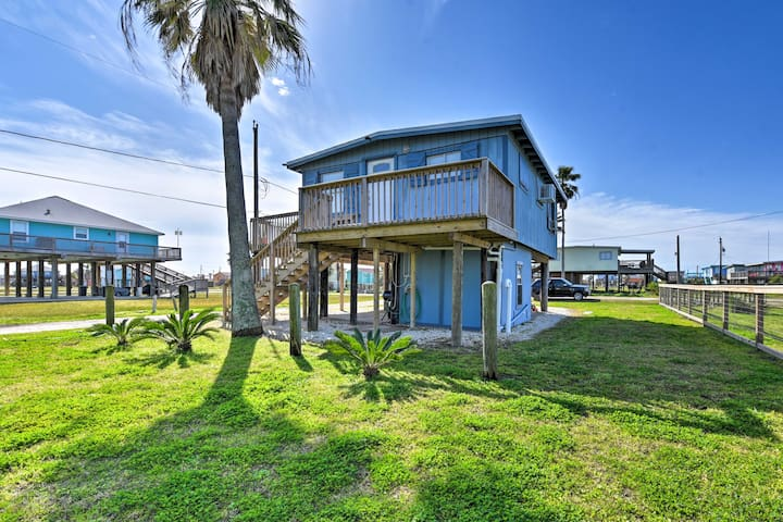 NEW! Colorful Cottage - 2 Blocks to Surfside Beach!