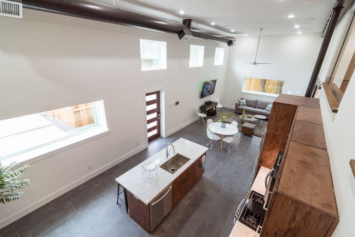 East Downtown Modern Luxury Retreat