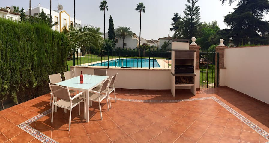 3 bedroom Town House , Marbella - Estepona - House