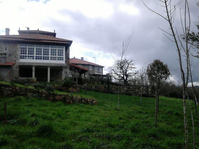 Casa rural de lujo con piscina - O Mato - House