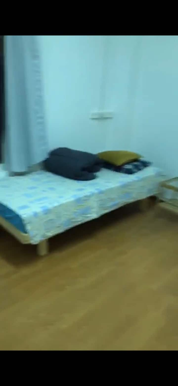 Short term bedroom with great location