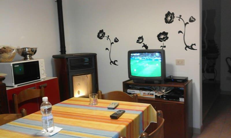 Appartamento azzurro - Volegno - Apartemen