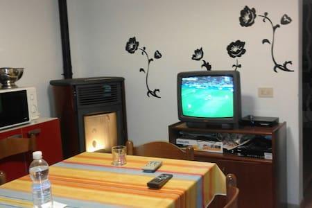Appartamento azzurro - Volegno - Byt