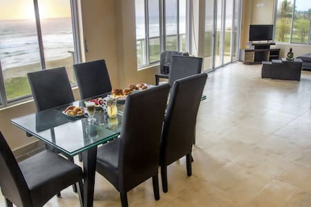 Amazing Beach Front Condo in Olon - Olon - Condominium