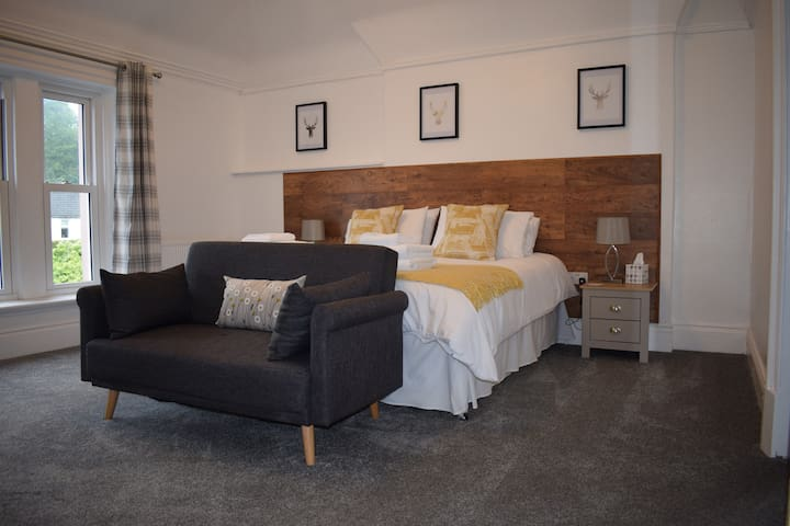 Willow - King Room, Woodlyn Guest House