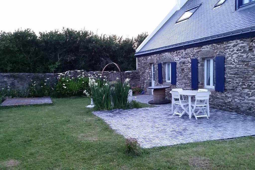 authentique maison de p cheur avec jardin houses for rent in groix bretagne france. Black Bedroom Furniture Sets. Home Design Ideas
