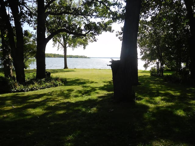 Camp Relax. WI  over 150' private water frontage