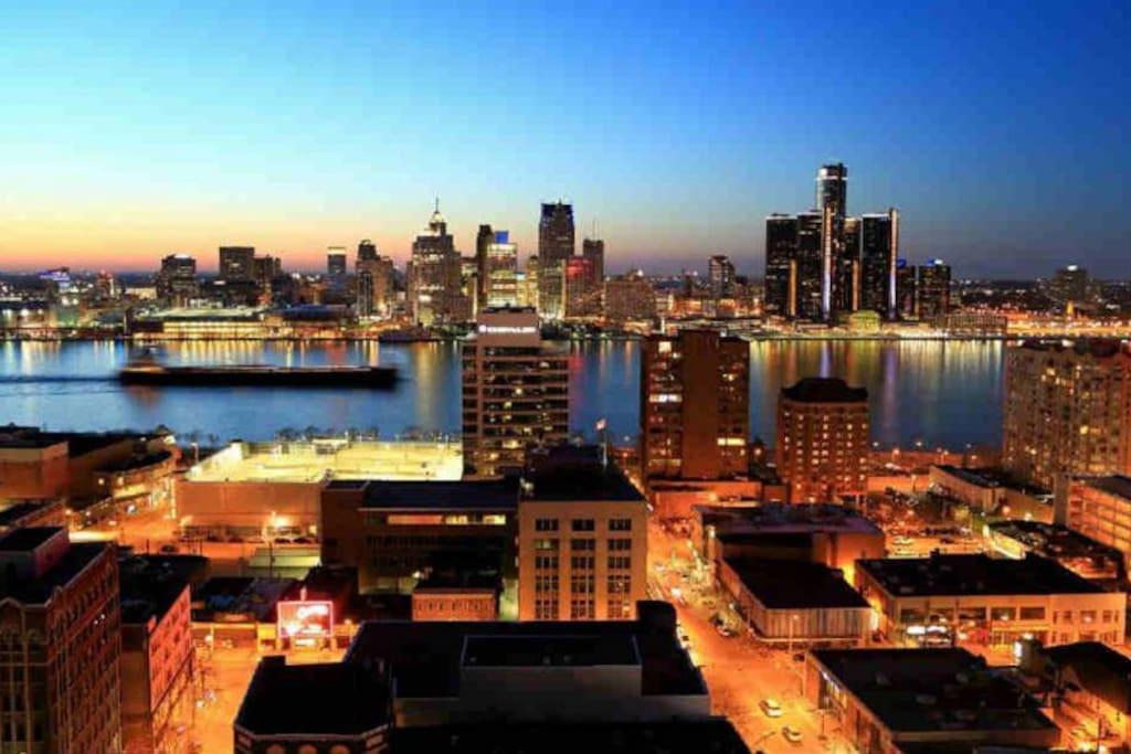 Beautiful Windsor Detroit skyline by Gerry Kaiser