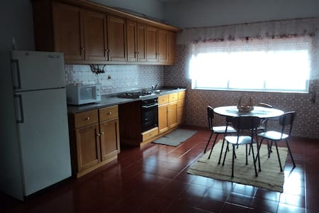 Spacious 4 bedroom flat in Tábua - Tábua