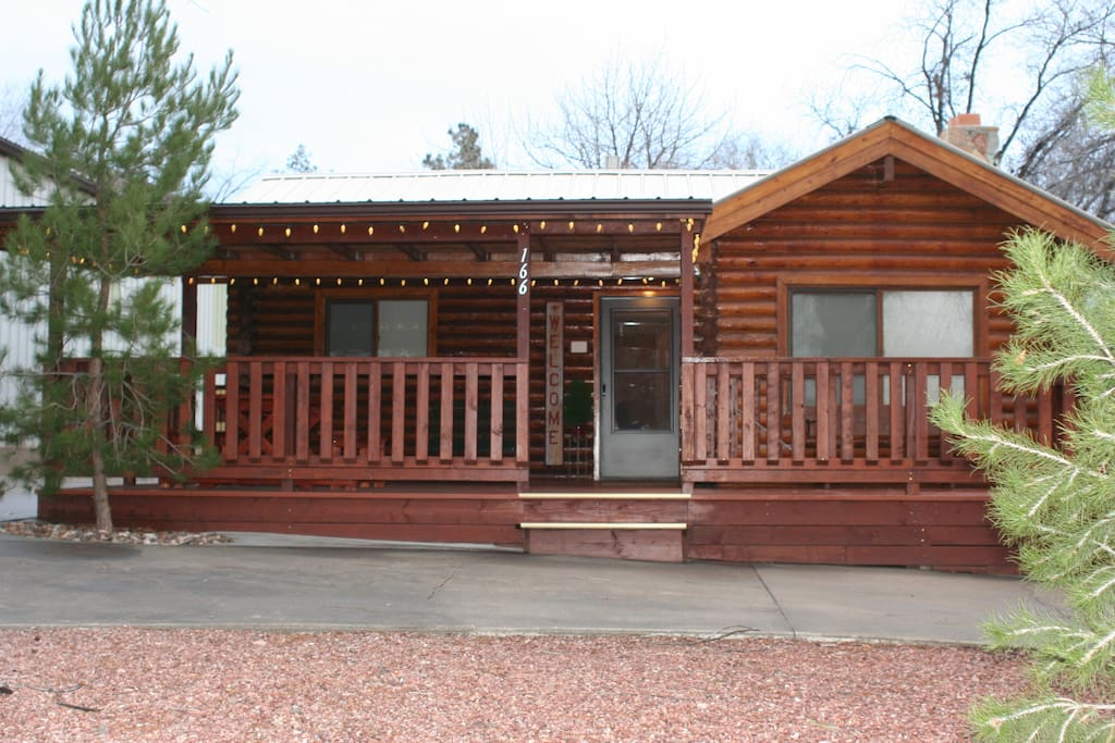 Charming log cabin near zion cabins for rent in for Utah log cabins