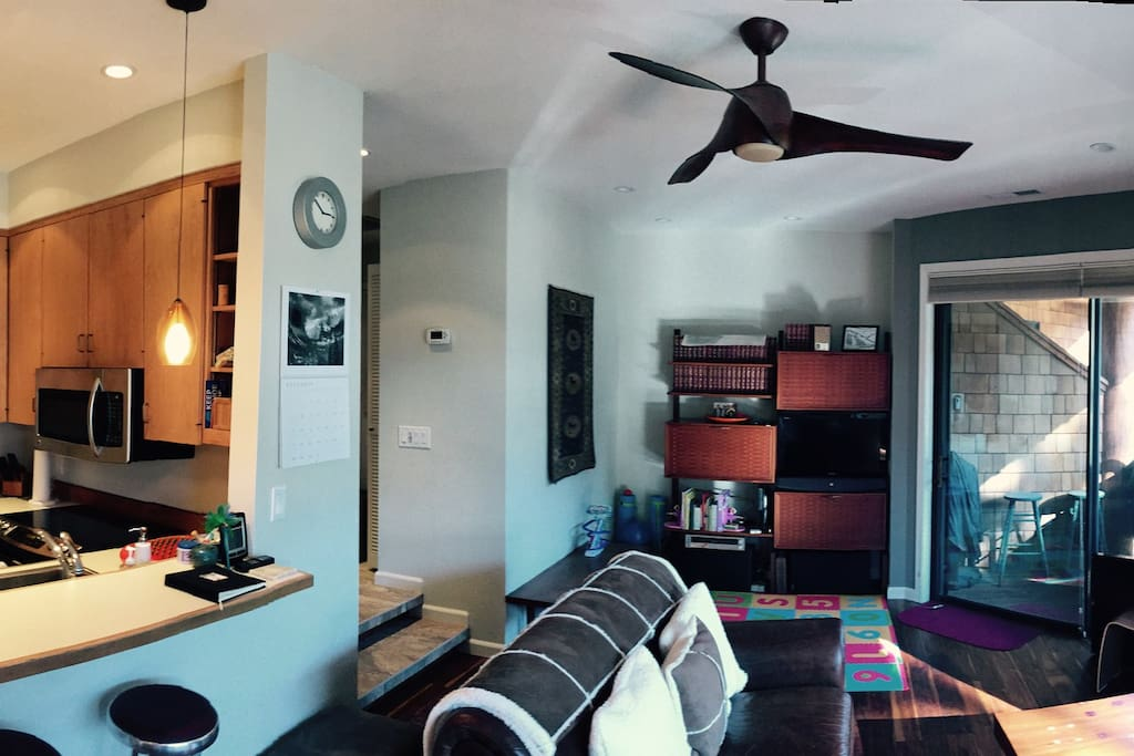 Living room/kitchen pano
