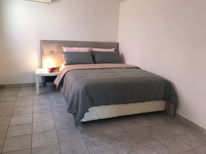 Clean Cozy Granny flat in Blacktown with A/C