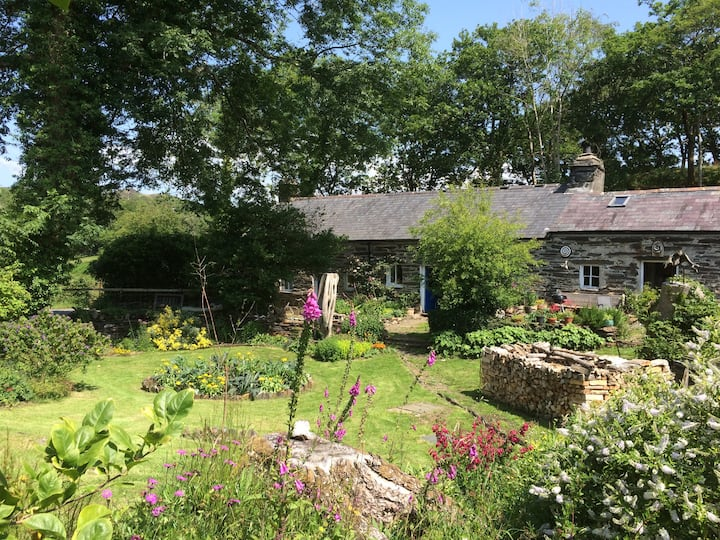LLandecwyn.  Private en suite room with garden