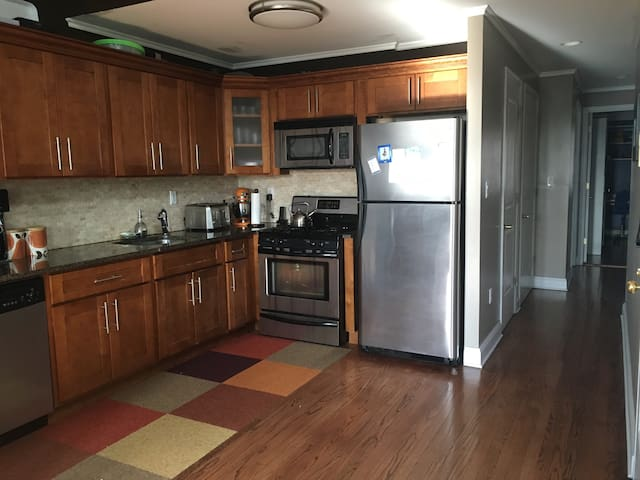 Private Bedroom and Bath in Spacious Duplex - Brooklyn - Condominio